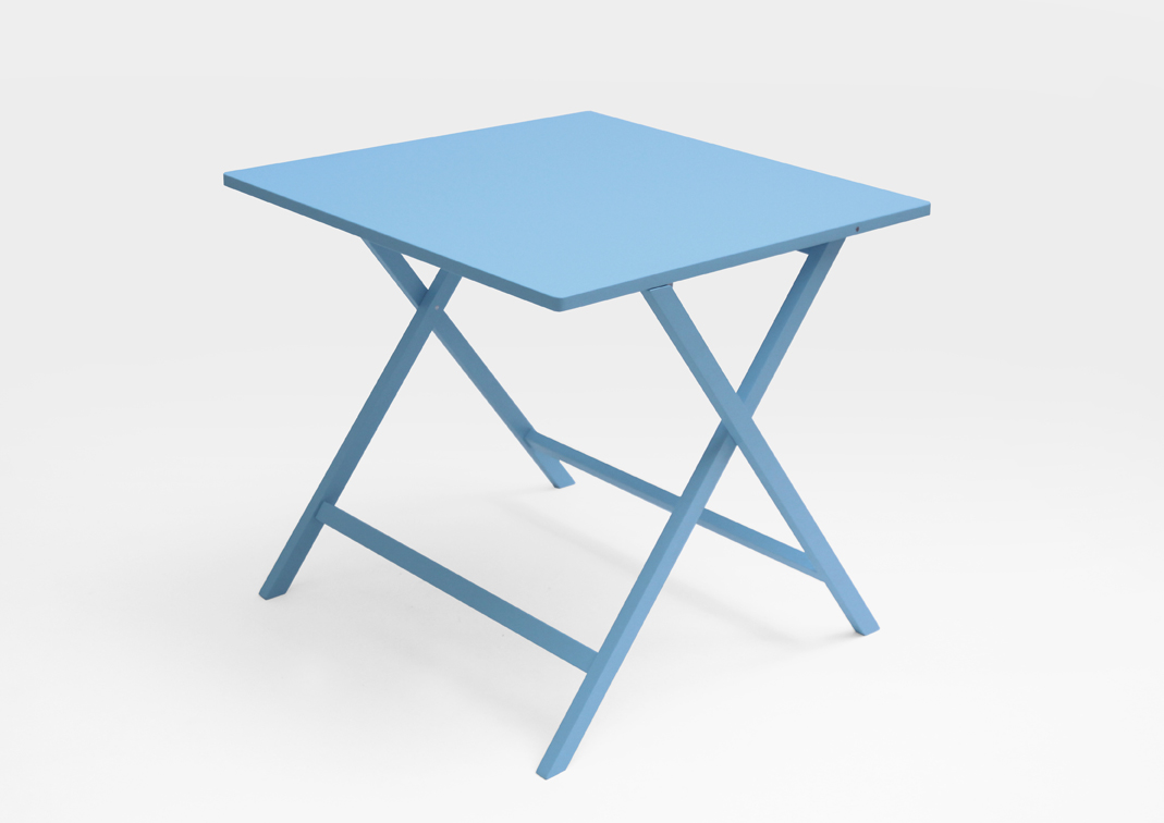 AKIRA folding table 01